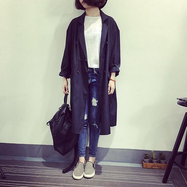 เสื้อคลุมสไตล์เกาหลี ทรงยาว ผ้าเนื้อด้าน ไม่หนา ใส่คลุมกำลังดี เท่ๆ พร้อมส่งเลยจ้า
