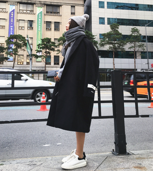 เสื้อโค้ทกันหนาว สไตล์เกาหลี ตัวโคล่ง สีดำ ผ้าสำลีผสมสักกะหลาด ไม่หนามาก ทรงสวย บุซับในกันลม พร้อมส่งจ้า