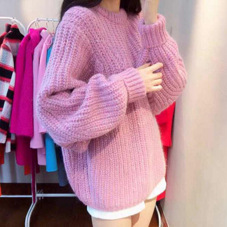 Sweater เสื้อไหมพรมถัก มีประกายวิ้งๆ ในตัว สีชมพู ใส่ตัวเดี๋ยวได้เลยเก๋ๆ ยืดได้เยอะ น่ารักมากจ้าา
