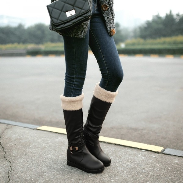 Boots รองเท้าบูท หนังสีดำแบบยาว เสริมส้นด้านใน บุขนแกะอุ่นและนุ่มมาก งานดีเหมือนแบบค่ะ