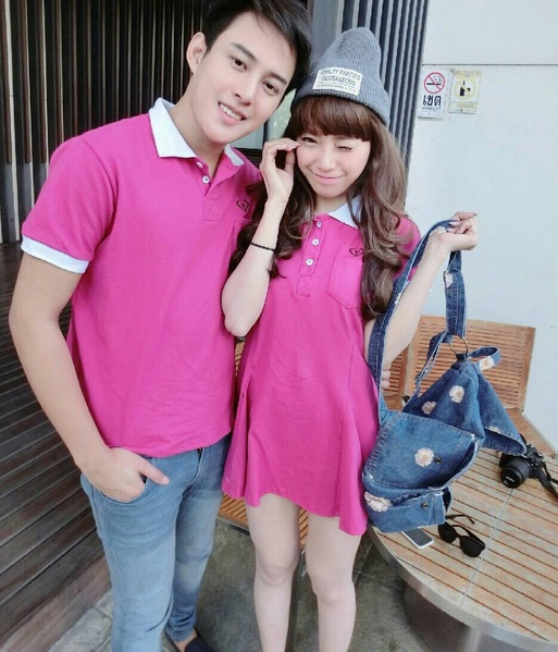 ชุดคู่รัก พร้อมส่ง เดรส+เสื้อ สีชมพู น่ารักมากๆ ราคาเป็นคู่แล้วค่ะ ไม่มีลายปักที่หน้าอกนะคะ