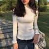 สีขาว : เสื้อไหมพรมคอเต่า ผ้านุ่ม แต่งช่วงปลายคอ แขน ชายเสื้อ ผ้าร่องมี texture ในตัว งานดี ยืดได้เยอะ