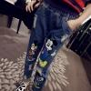 กางเกงยีนส์ สกรีนลายมิกกี้เมาส์ แต่งขาดๆ แนวๆ ทรงสวย พร้อมส่ง สำเนา