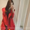 สีแดง : เสื้อโค้ททรงยาว แต่ฮู้ดพร้อมสายคาดหลังเก๋ๆ เนื้อผ้าตามรูป เนื้อไม่หนา บุซับในกันลม พร้อมส่งจ้า