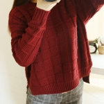 Sweater เสื้อไหมพรมถัก ลายตาราง สีแดงไวน์ พร้อมส่งจ้า
