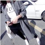 เสื้อคลุมลายสก๊อต ตัวยาว เกาหลีฝุดๆ พร้อมส่ง ลายขาวดำ