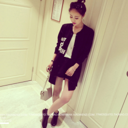 เสื้อคลุมสไตล์เกาหลี สีดำแต่งลายสกรีน ทรงยาว น่ารัก พร้อมส่งจ้า