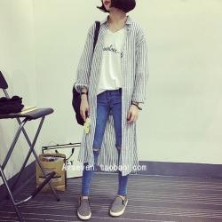 เสื้อคลุมทรงยาว เก๋ ลายทางสีเทาขาว ผ้าฝ้ายเนื้อนิ่ม ใครชอบ look นี้ จัดเลยจ้า