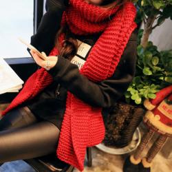 ผ้าพันคอกันหนาว ไหมพรม เกาหลี สีแดง เข้าได้กับทุกชุด พร้อมส่ง