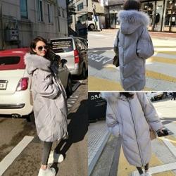 เสื้อกันหนาวฮู้ดดี้ ทรงยาว แต่งเฟอร์หนาฟู เทา งานเกรดดีเหมือนแบบ อุ่นมาก หิมะก็เอาอยู่ (ถอดขนถอดฮู้ดได้)