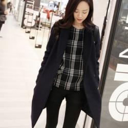 เสื้อโค้ทกันหนาว สีดำ ทรงสวย แบบผู้ดีมาก ผ้าวูลเนื้อดี บุซับในกันลม จะใส่คลุม หรือใส่เป็นเสื้อโค้ทปกติก็เก๋ค่า พร้อมส่งจ้า