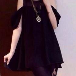 พร้อมส่ง - เสื้อแฟชั่น ชีฟองเก๋ๆ สีดำ โชว์ไหล่น่ารัก