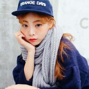 ผ้าพันคอไหมพรม เกาหลี สีเทา มิกกับชุดไหนก็สวย ใส่ได้ทั้งผู้ชายและผู้หญิง พร้อมส่ง