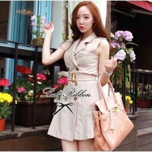 พร้อมส่ง - Size M : Lady Evelyn Coat dress เดรสทรงโค้ตแขนกุดสีครีม พร้อมเข็มกลัด Chanel และเข็มขัด ขนาด M