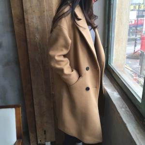 เสื้อโค้ทกันหนาว ทรงคลาสสิค ผ้าวูลเนื้อดี บุซับในกันลม จะใส่คลุม หรือใส่เป็นโค้ทก็สวยเก๋