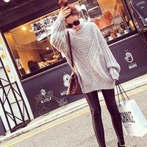 เสื้อไหมพรมตัวโคล่ง Sweater สีเทา คอตั้ง ยืดได้เยอะ จะใส่เดี่ยวไหรือใส่โค้ทคลุมก็สวยจ้า